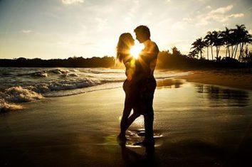 sunset-beach-lovers-webphoto[1]